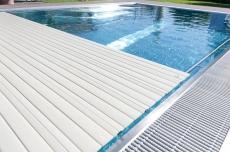 Cobertor para piscina COVREX de REHAU